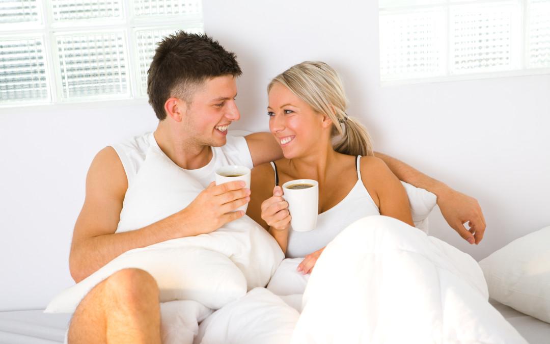 Erste gemeinsame Wohnung: Partnermatratze oder Einzelmatratzen?