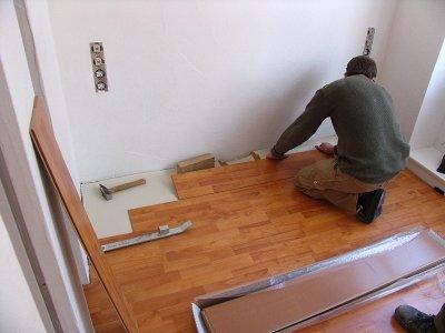 laminat selbst oder vom profi legen lassen erstewohnung. Black Bedroom Furniture Sets. Home Design Ideas