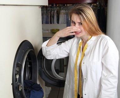 Waschmaschine stinkt – Woher kommt das und was kann man dagegen tun?