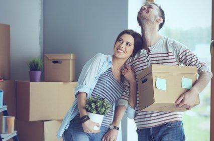 kleine wohnung ganz gro einrichtungstipps f r kleine r ume erstewohnung. Black Bedroom Furniture Sets. Home Design Ideas