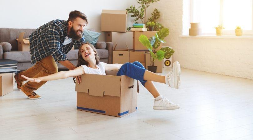Ausziehen von Zuhause – so gelingt der Einzug in die eigene Wohnung